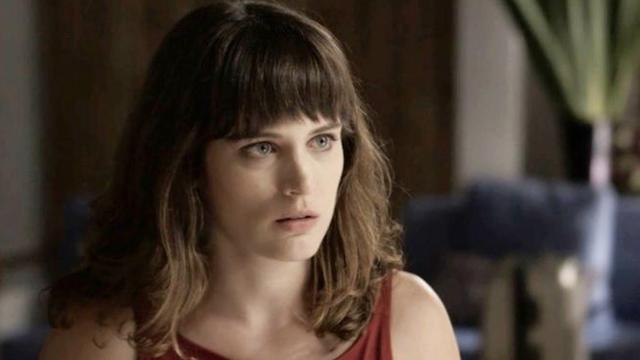 O Outro Lado do Paraíso: Clara descobre quem é o sócio do bordel